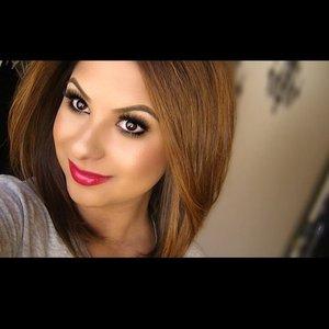 www.ArielHope.com ArielHopeMakeup IG: @Ariel_Hope  La Girl Glazed Lip Paint in PinUp KoKo Lashes in Foxy