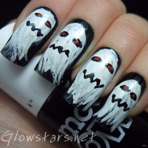 To find out more about this mani visit http://glowstars.net/lacquer-obsession/2012/10/the-digit-al-dozen-does-halloween-ghosts