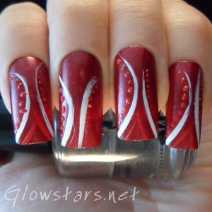 To find out more about how this mani was achieved please visit http://glowstars.net.