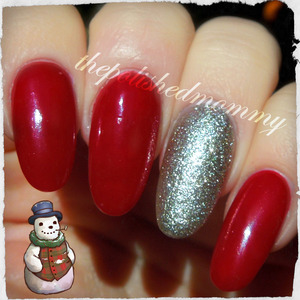 >>>http://www.thepolishedmommy.com/2013/12/festive-and-beyond-cozy-with-head.html