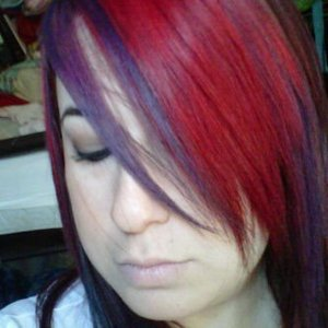 This is how actually my hair looks. The rest of it it's a deeper red and a pair of black stripes on the sides =)