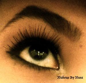 Smokey eyes with some flirty lashes <3