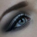 Classic smokey eyes