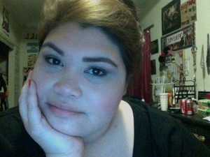 Bored so I played with some MAC pigments and did a brown smokey that reminded me of fall :)