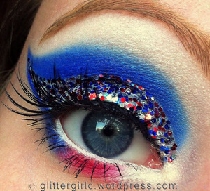 A 4th of July inspired makeup look! :)
