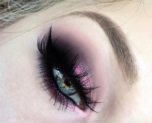 Just a close up image so you can see all the detail :)! It was SUPER fun trying out Poison Berry and Barbie from the Glitter Injection pressed glitter collection, these are very pigmented glitters and last hours.  Be sure to check out my blog post for a step by step pictorial! http://theyeballqueen.blogspot.com/2016/04/power-puff-girls-blossom-pink-spring.html