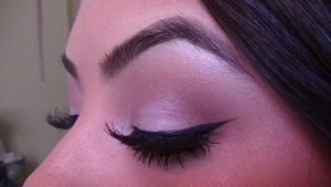Winged Liner Closed
