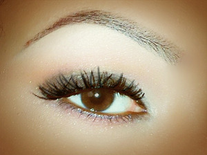 Need your eyebrows back into shape? Contact me at perfectmakeupbypatty@live.com