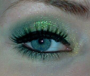 """- also used a CS pigment called """"mojito mint""""  and mascara by isa dora, """"wig wham"""" in 01 black magic"""