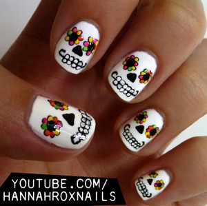 Tutorial at http://youtube.com/hannahroxnails :)