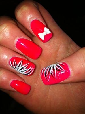 Cute colour + nail art and bow xxx 💅