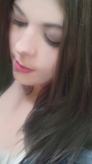 This look is very neutral, great as an everyday look however features a bold lip which is optional, the bold lip compliments the slight rose blush. Enjoy! http://www.youtube.com/watch?v=xGAuI2J0LtQ
