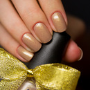 Shimmery nude nails