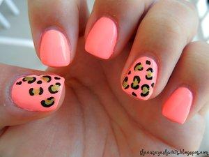 http://thecateyeshaveit.blogspot.com/2012/05/neon-leopard-mani.html