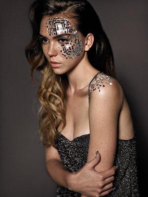 Photography : Fabiana Delcanton Model : Yasmine @Profile Models  Retouching : Stefka Pavlova Makeup : Tabby Casto  Hair : Roger Cho