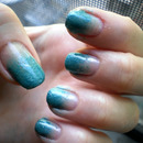 Blue Gradient Nails Using Eyeshadow