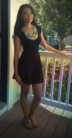 my daughter diana.shes 19 years old.I pick her out fit..