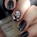 Marilyn nails