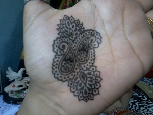 this is not black henna... some sort of coloring tube mehendi (henna) ...