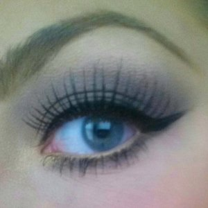 Simple, easy to achieve, & wearable (: