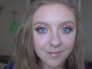 This is my first interpritation of a fall makeup look! Hope you like it and if you do please tell me any looks you would like me to do in the future for fall or Halloween I am up for anything (I just need some ideas)!