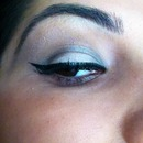 simple cat eye with shadow