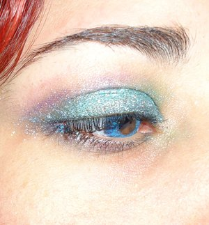 I tried to create a mermaid feel type of eye-makeup