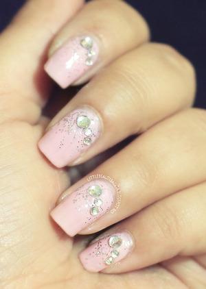 more photos here: http://littlebeautybagcta.blogspot.com/2013/06/soft-pink-jewel-nails.html