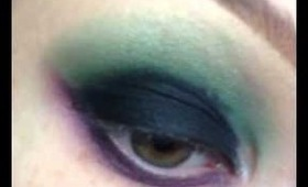 Step by Step Makeup in 15 Seconds: Green and Purple Smokey Eye