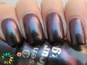 http://bydanijela.blogspot.com/2013/11/essence-colour-go-122-chic-reloaded.html