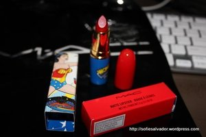 MAC Russian Red in wonderwoman collection
