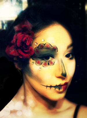 This is my sugar skull/ day of the dead look. Its easy and fun!! i hope you guys like it