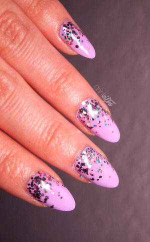 http://www.drinkcitra.com/2014/02/week-03-glitter-busygirlnails-winter.html