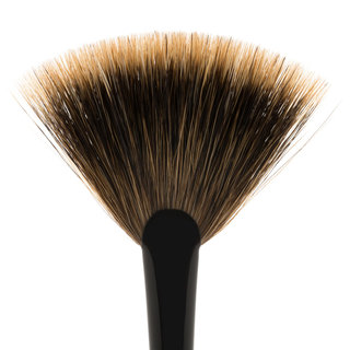 Jishaku Brush 25: Fan Highlighter