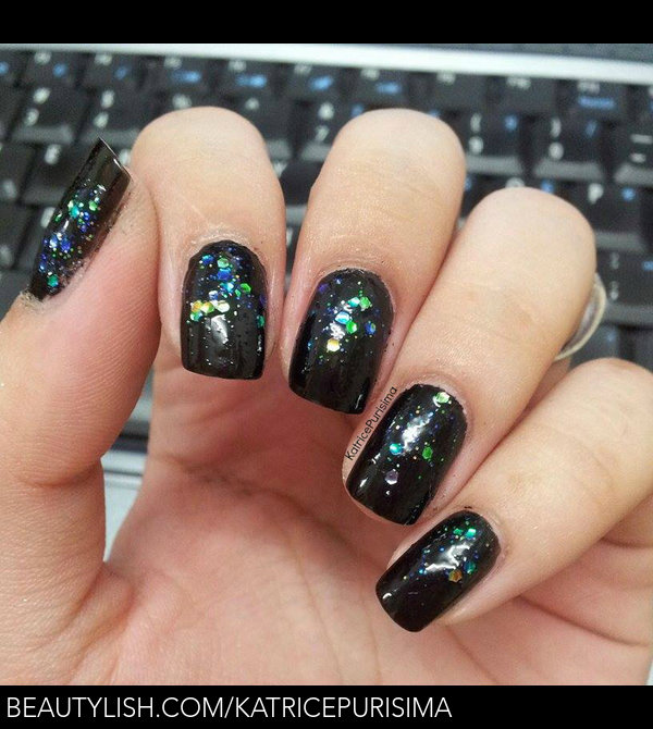 Little black dress nails with pearls | Katrice P.\'s (KatricePurisima ...