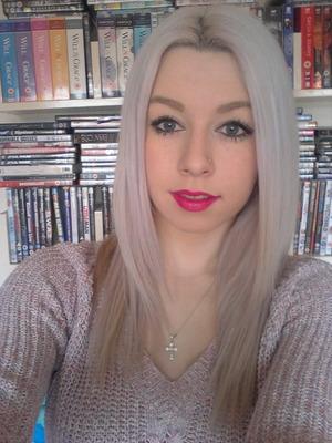 Light hair, bright lip <3