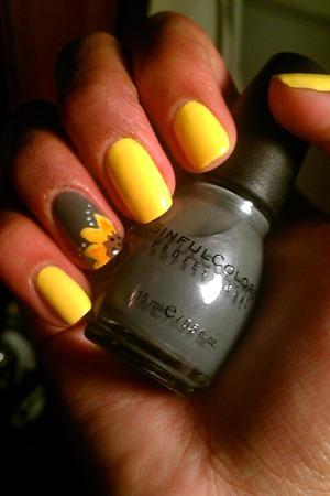 Milani: Yellow whiz Sinful colors: Snow me white/Cloud 9/Black on black/Nirvana  Pure ice: Kiss me here