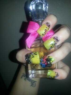 cheetah duck tip nails w/blk 3d bow and s.stones
