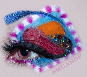 candy crush inspired makeup!!!! follow me on instagram @muahdp
