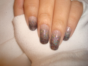 Smokey Gradient Nails - Tutorial by Jillian C. http://www.beautylish.com/v/ipgun/smokey-gradient-nails