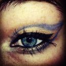 blue gold eyelook