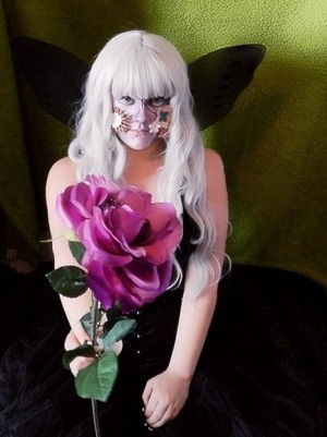 Another from the flower fairy photo shoot.   Ecaterinadoll.blogspot.com