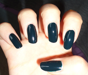 before glitter application- i thought it was black, but turns out it's dark teal?