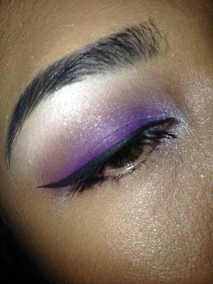 Poison Plum (on lid), Cork (on crease), Vanilla (highlight), Ricepaper (highlight), Blacktrack and Plushlash.