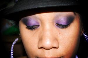 simple purple smokey look