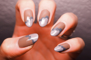 http://www.drinkcitra.com/2013/11/how-to-cloud-mani-nailside-version.html