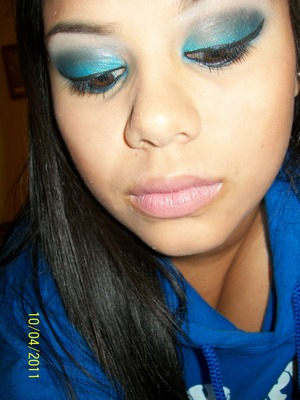 """i did this for """"class color day"""" at school. obviously, mine is blue."""