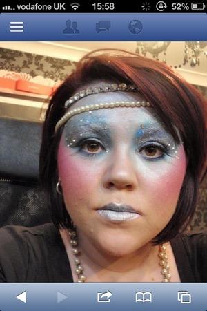 Blue glitter pearl