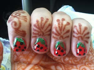 Here is a cute nail art design of my favorite fruit!