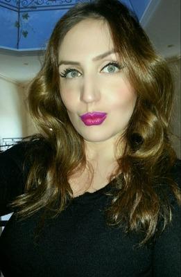 Viviane I.
